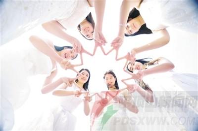 ⑤山东艺术学院舞蹈学院的女生们拍摄的婚纱范儿毕业