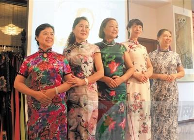 瞧!这群爱穿旗袍的可爱女人