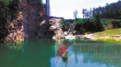 伏牛地质大奇观,景区新秀二龙山  二龙山风景区位于内乡县板厂乡让河